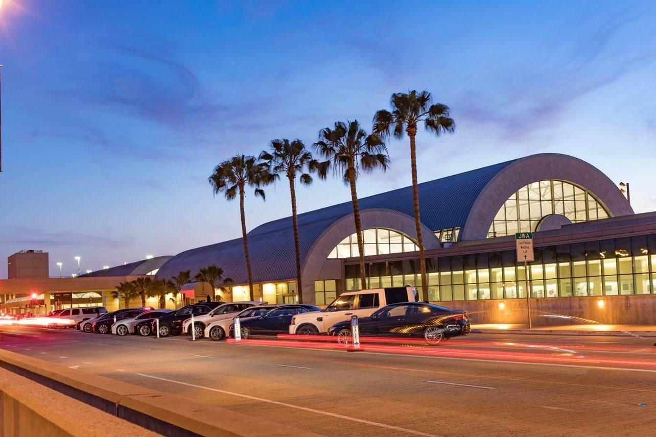 John Wayne Airport, Orange County - Visit Laguna Beach